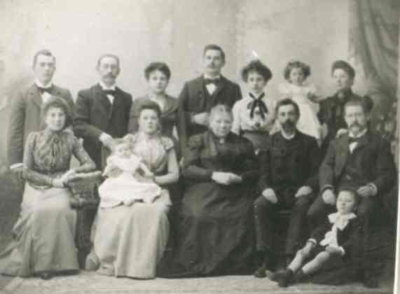 Groepsfoto familie J.Janssen -Wijdeveld