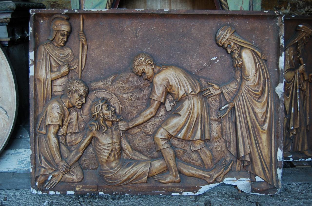Kruiswegstatie: Jezus wordt aan het kruis genageld