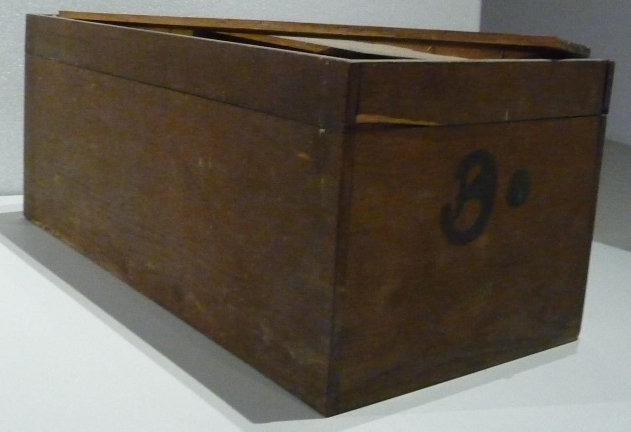 Kist voor glasnegatieven met nummer 3