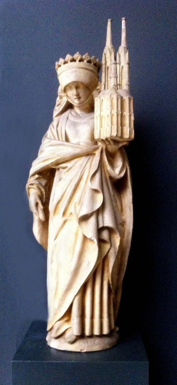 Beeld H. Elizabeth met kerk op haar linkerhand.