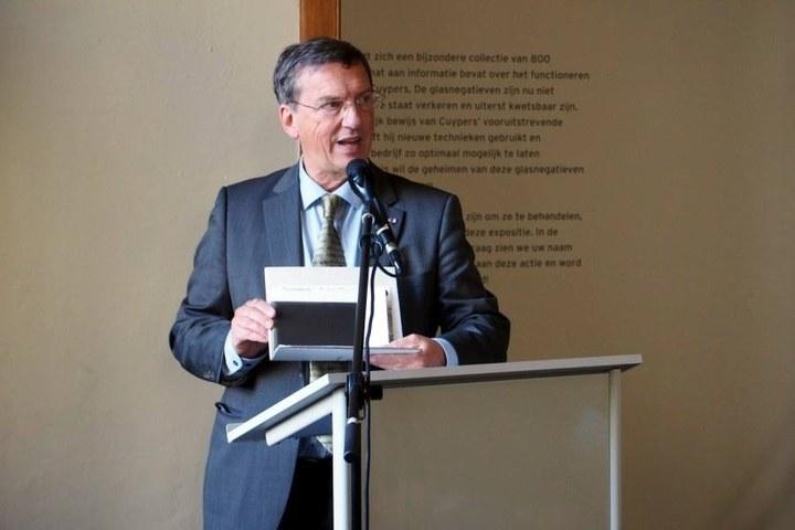 Cuypershuis verrast door schenking glasnegatieven uit privé-archief